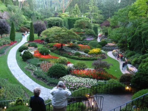 1200px-Butchart_Sunken_Gardens