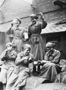 English: First World War The Home Front: Women workers at the British Oil Cake Co.